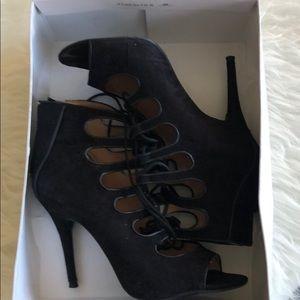 Nine West lace up heeled shoes